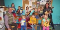 Mit Mandolinen hatten Kinder ihre Freude