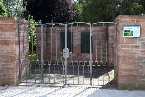 Neues Tor am Jüdischen Friedhof