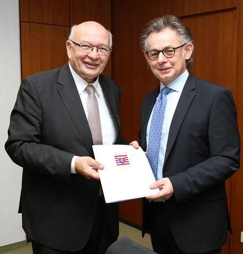 Frieder Gebhardt und Staatssekretär Michael Bußer