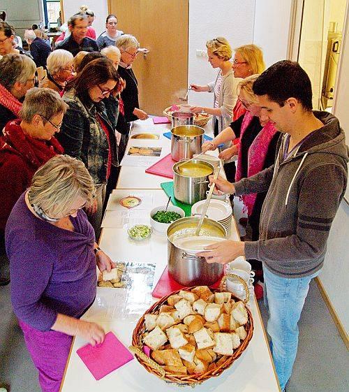 Suppenfest - Essen verbindet Langener und Fluechtlinge