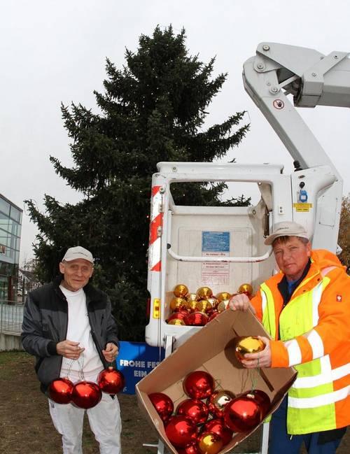 Adventsstimmung Stadthalle - Weihnachtsbaum